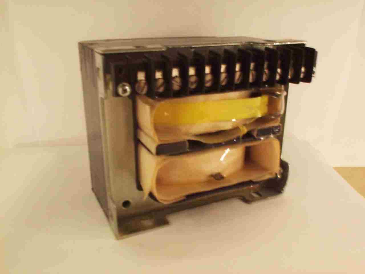 [Picture of Magnetron Transformer. Dpc12744.jpg]